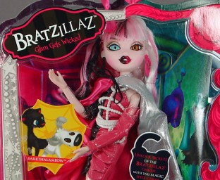 Bratzillaz Cloetta Spelletta in package