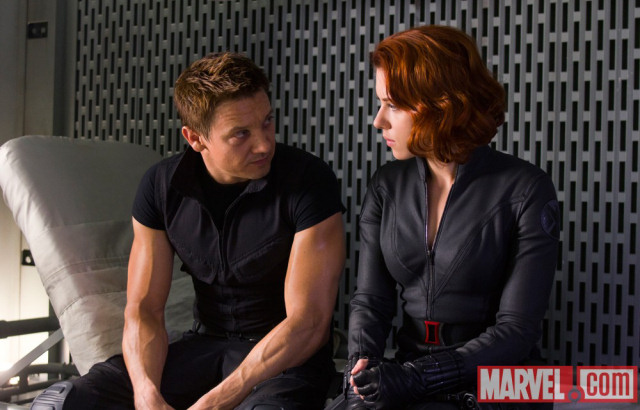 Jeremy Renner tells Scarlett Johansson what he really thinks of her acting ability